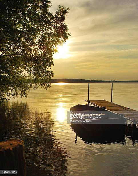 an atmosphere of quiet - lake ontario stock pictures, royalty-free photos & images