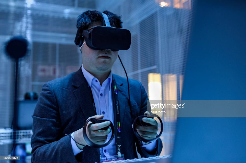 Virtual Reality Expo In Los Angeles : News Photo