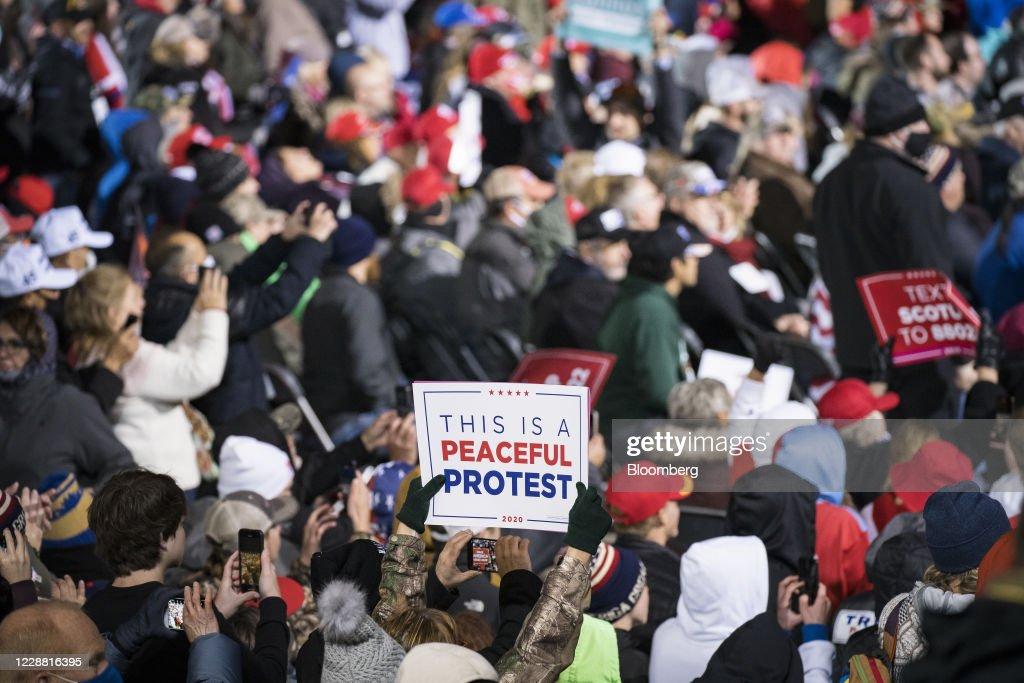 President Trump Holds 'Make America Great Again' Rally In Minnesota : News Photo