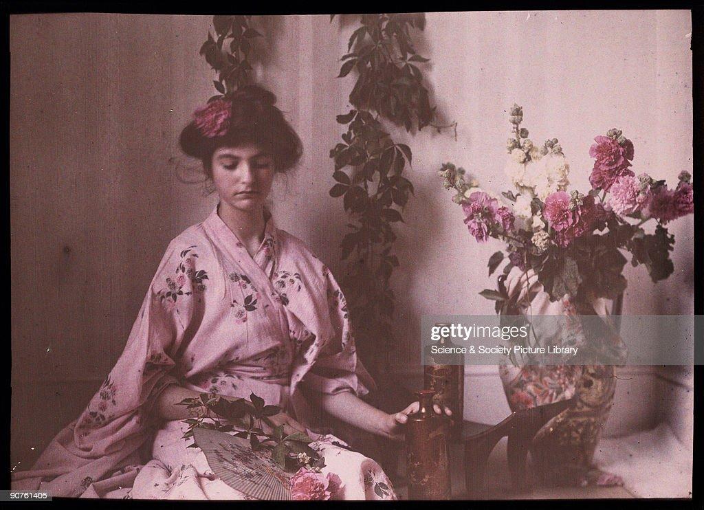 Girl in a kimono, 1908. : News Photo