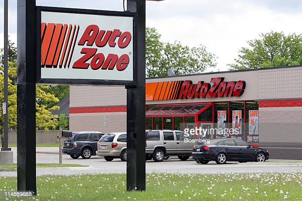An AutoZone Inc retail outlet stands in Sterling Heights Michigan US on Tuesday May 24 2011 AutoZone Inc the largest US autoparts retailer had fiscal...