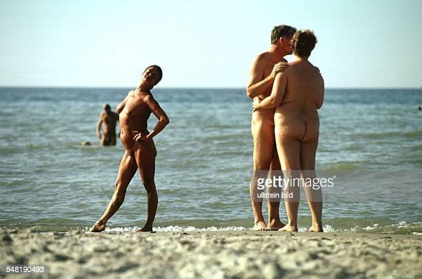 FKK an der Ostsee am Strand von Warnemünde 1999 fkk