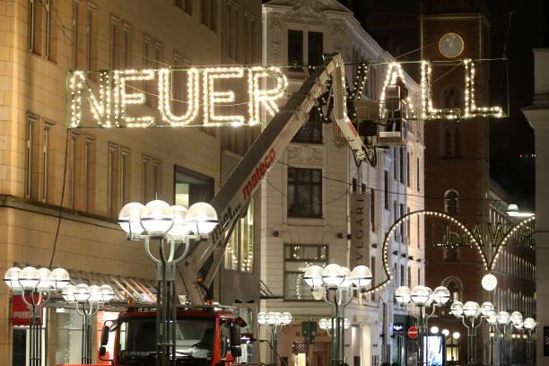 Neuer Wall Weihnachtsbeleuchtung.Weihnachtsbeleuchtung In Hamburg Pictures Getty Images
