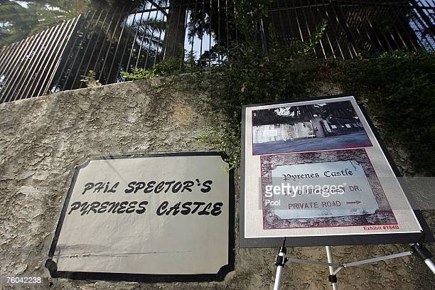 An easel displays an evidence photo depicting the entrance to the house on the day of the murder of Lana Clarkson, at the entrance to the mansion of...