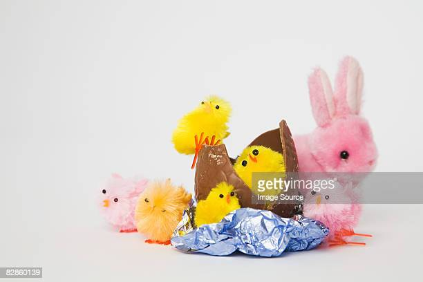 An easter egg toy chicks and the easter buuny