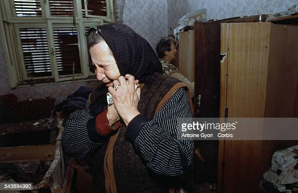 An elderly Croatian woman who survived the threemonth battle between the Croatian armed forces and the Yugoslavian Federal Army in Vukovar mourns in...