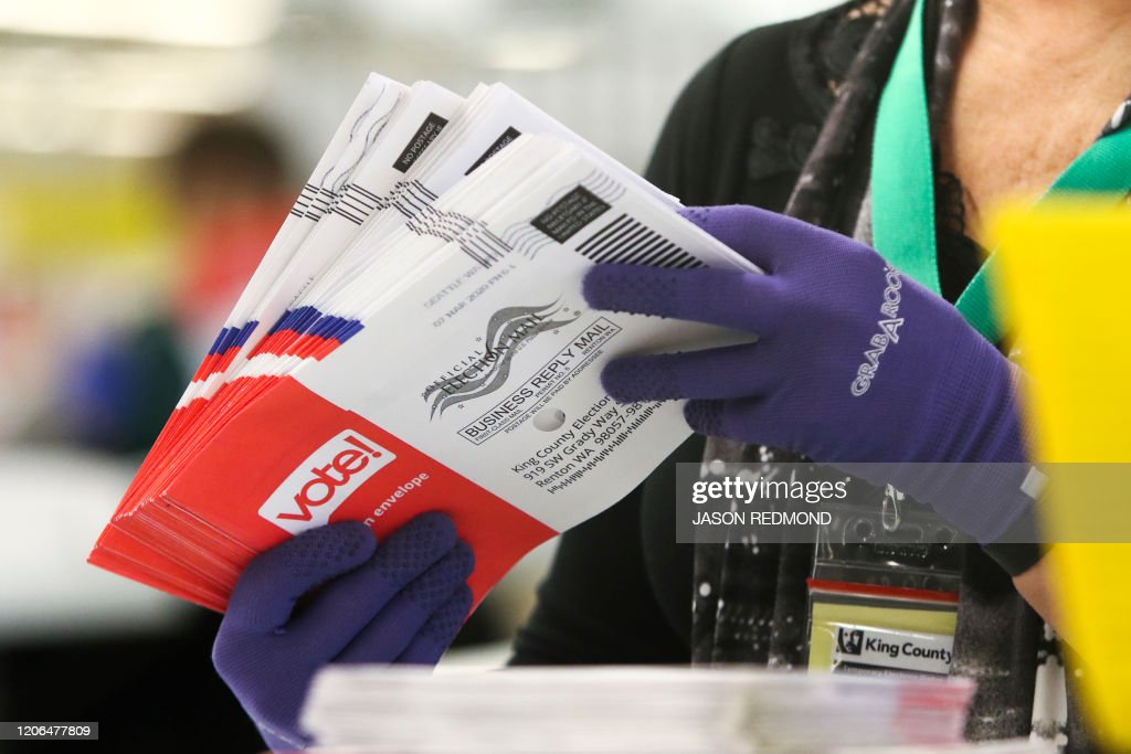 US-POLITICS-vote-Democrats : News Photo