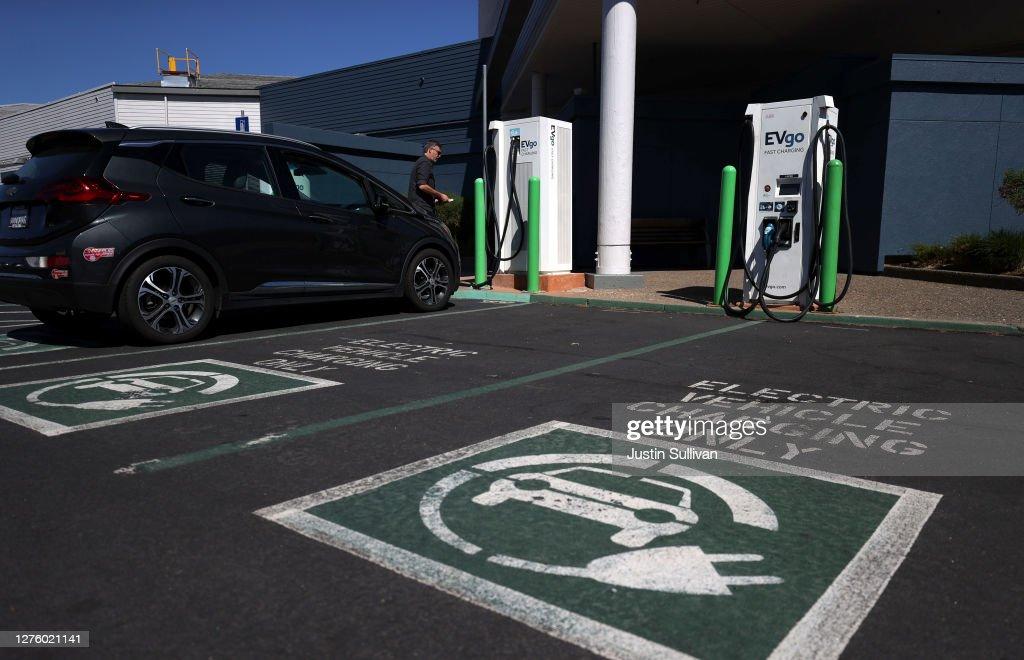 California Governor Newsom Announces Ban Of Gas-Powered Cars By 2035 : News Photo