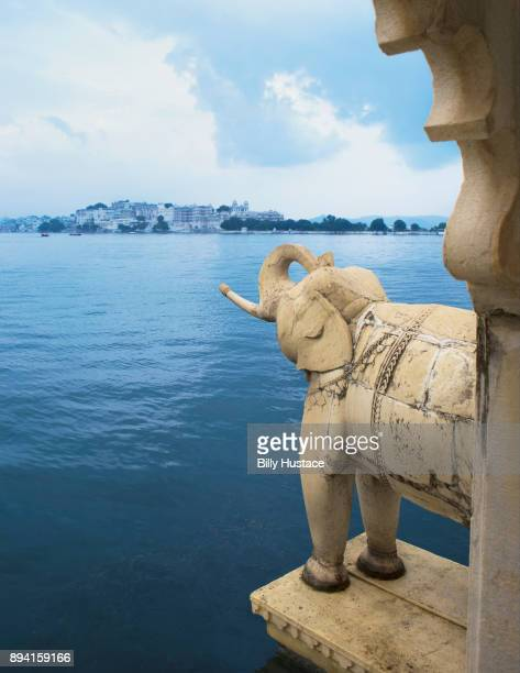 An elephant statue at Jag Mandir (Lake Garden Palace) on Lake Pichola in Udaipur, state of Rajasthan, India.