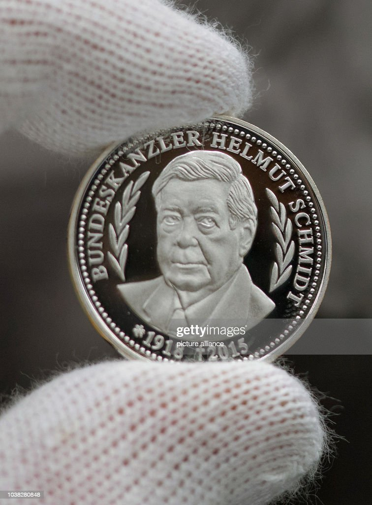 Commemorative Coin Of Former Chancellor Helmut Schmidt Pictures