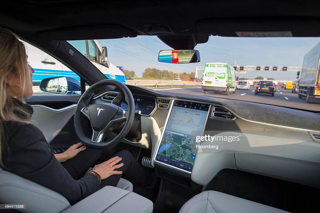 Tesla Motors Inc. Tests Self-Driving Technology : News Photo