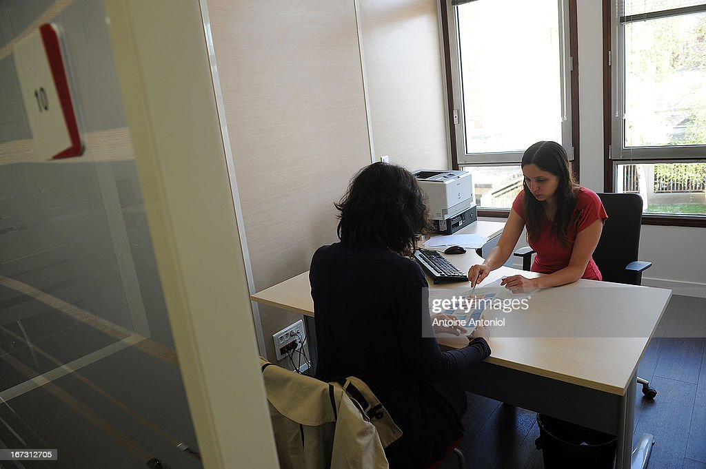 An employee interviews a jobseeker at a Pole Emploi unemployment office on April 24, 2013 in Vincennes, France. French unemployment keeps rising and the number of unemployed people could reach a new historical record in May 2013.