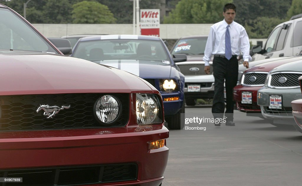 An Employee Of A Ford Dealership In San Diego California Wa - Ford dealers in san diego