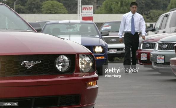 Ford Dealership San Diego >> An Employee Of A Ford Dealership In San Diego California Walks