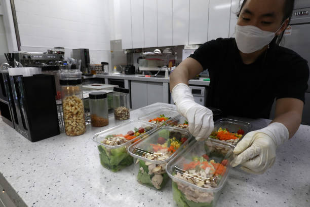 KOR: Agriculture Farms Grow Food Under Seoul's subway stations
