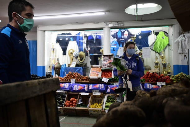 ARG: Neighborhood Sports and Social Center Turns Into a Market To Survive During Quarantine