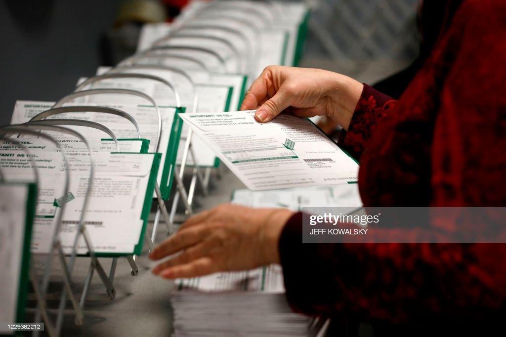 US-VOTE-BALLOTS : News Photo