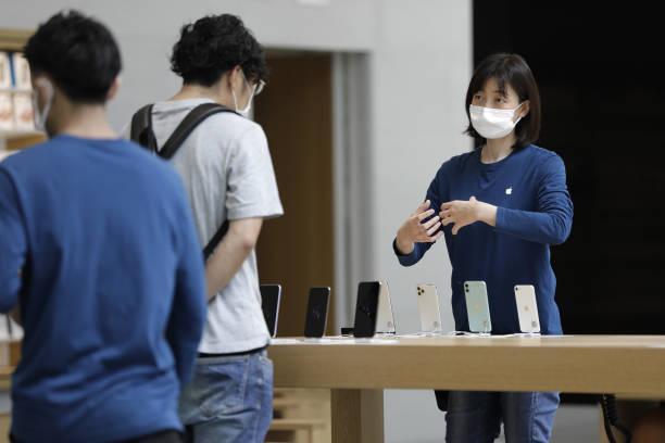 JPN: Apple Reopens Flagship Tokyo Stores as Japan Eases Restriction