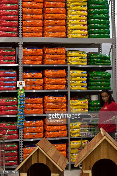 12 Pao De Acucar Turns To Malls For Grocery Boost Pictures