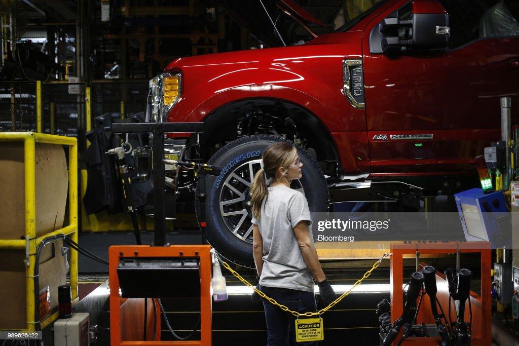 File: Global Carmakers Brace For Tariff Whiplash : News Photo
