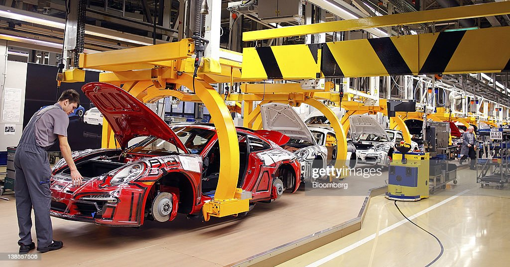 Automobile Assembly At Porsche SE Production Factory Photos and ...
