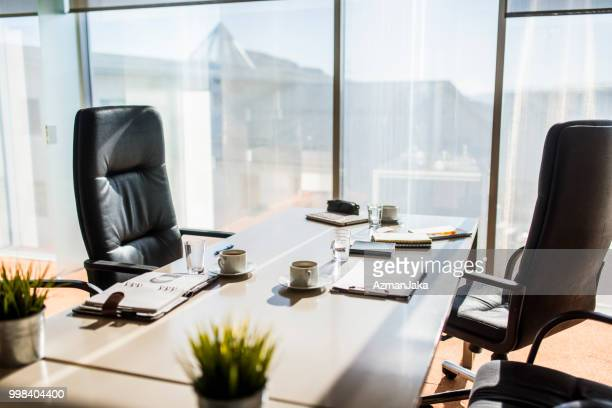 空のビジネス オフィス - 雰囲気 ストックフォトと画像