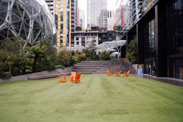 WA: Amazon Cools on Seattle, Businesses Look to New Mayor for Fixes