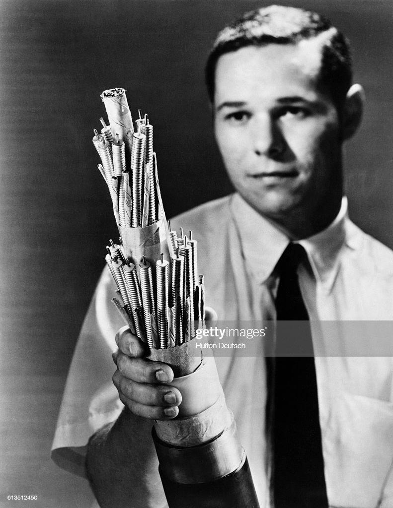 Coaxial Telephone Cable : Fotografía de noticias