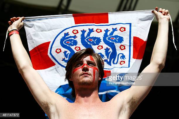 An England fan enjoys the atmosphere prior to the 2014 FIFA World Cup Brazil Group D match between Costa Rica and England at Estadio Mineirao on June...