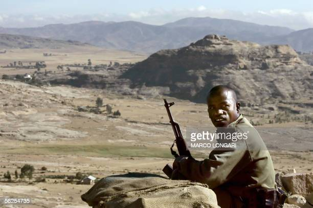 An Ethiopan soldier mans a position 19 November 2005 near Zala Anbesa in the northern Tigray region of Ethiopia less than a mile away from the...