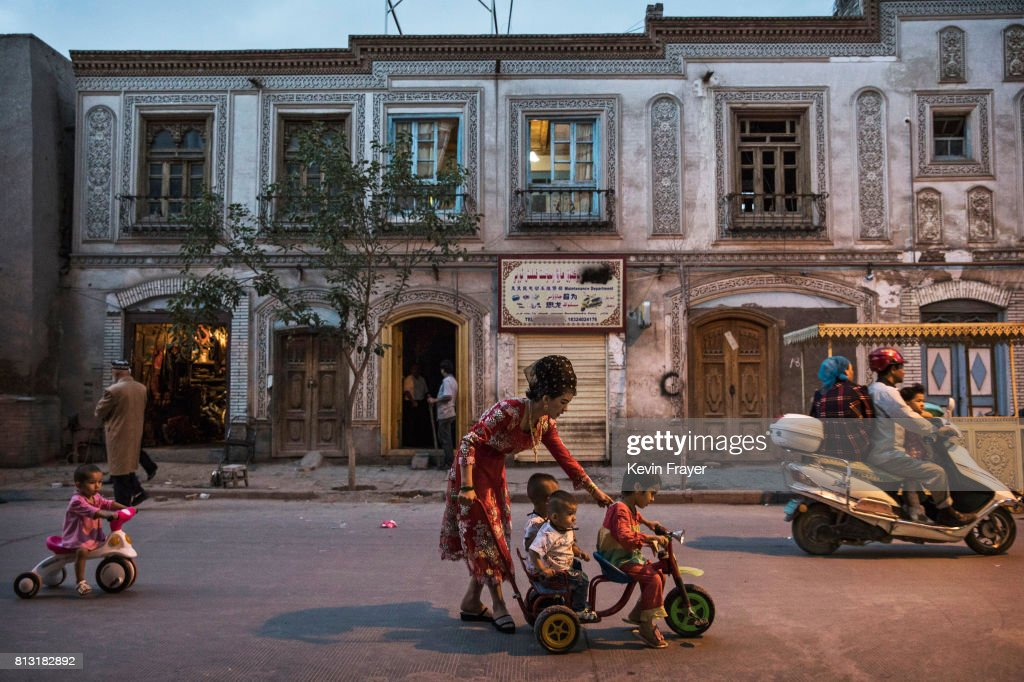 Uyghur Life Endures in Kashgar's Old City : Fotografía de noticias