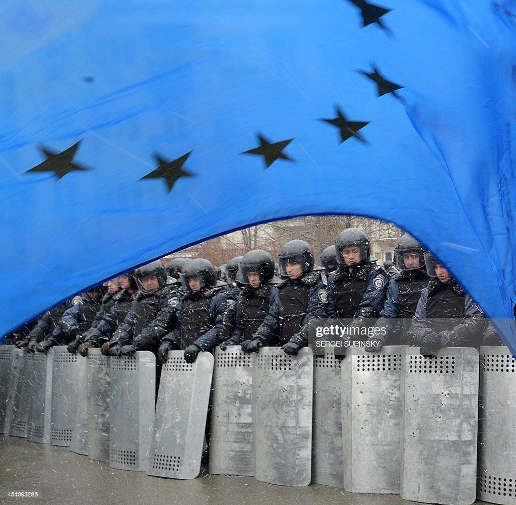 UKRAINE-EU-UNREST-POLITICS : News Photo