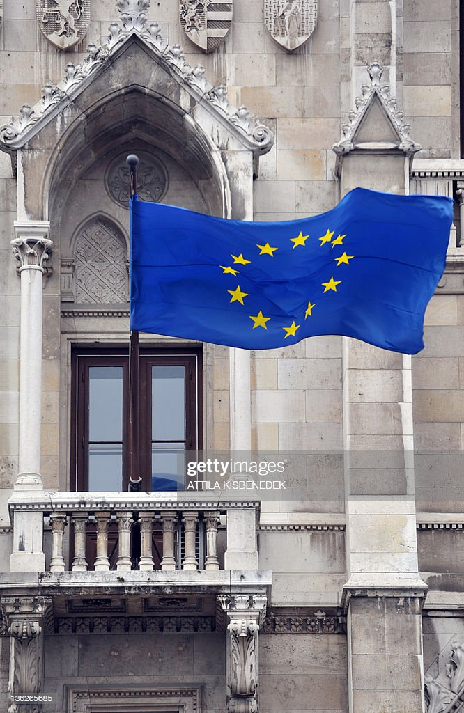 An EU-flag flys in front of the parliame : News Photo