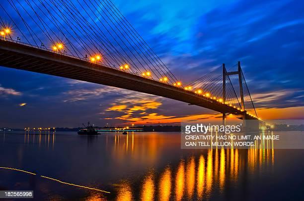 an evening at 2nd howrah bridge , kolkata - kolkata stock pictures, royalty-free photos & images