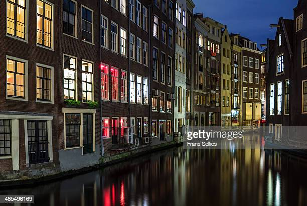an evening in amsterdam - frans sellies stockfoto's en -beelden