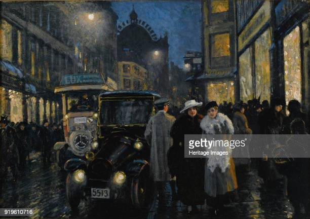 An evening stroll on the boulevard Private Collection
