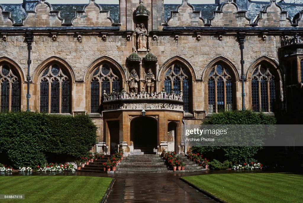 An exterior view of Oriel College, Oxford, circa 1960.