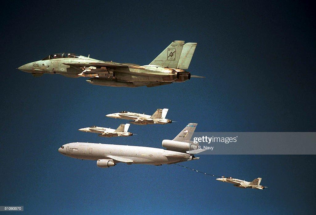 F-14A Tomcat : News Photo