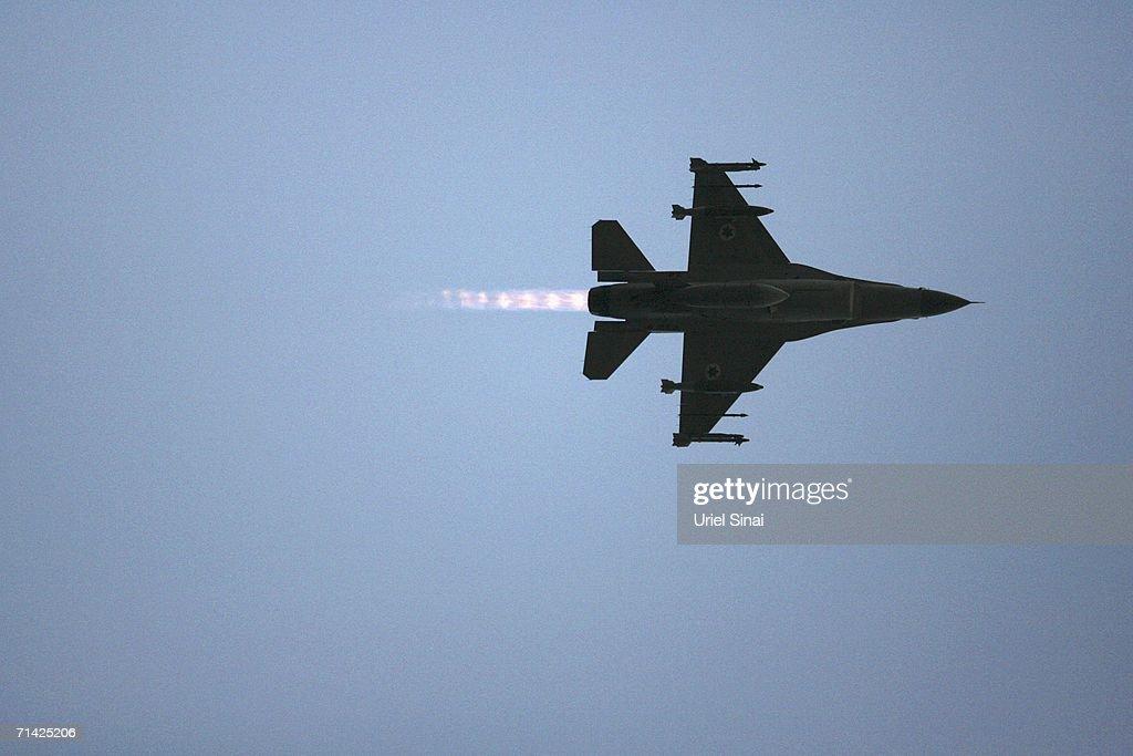 Israeli Air Force Prepare For Lebanon Mission : News Photo