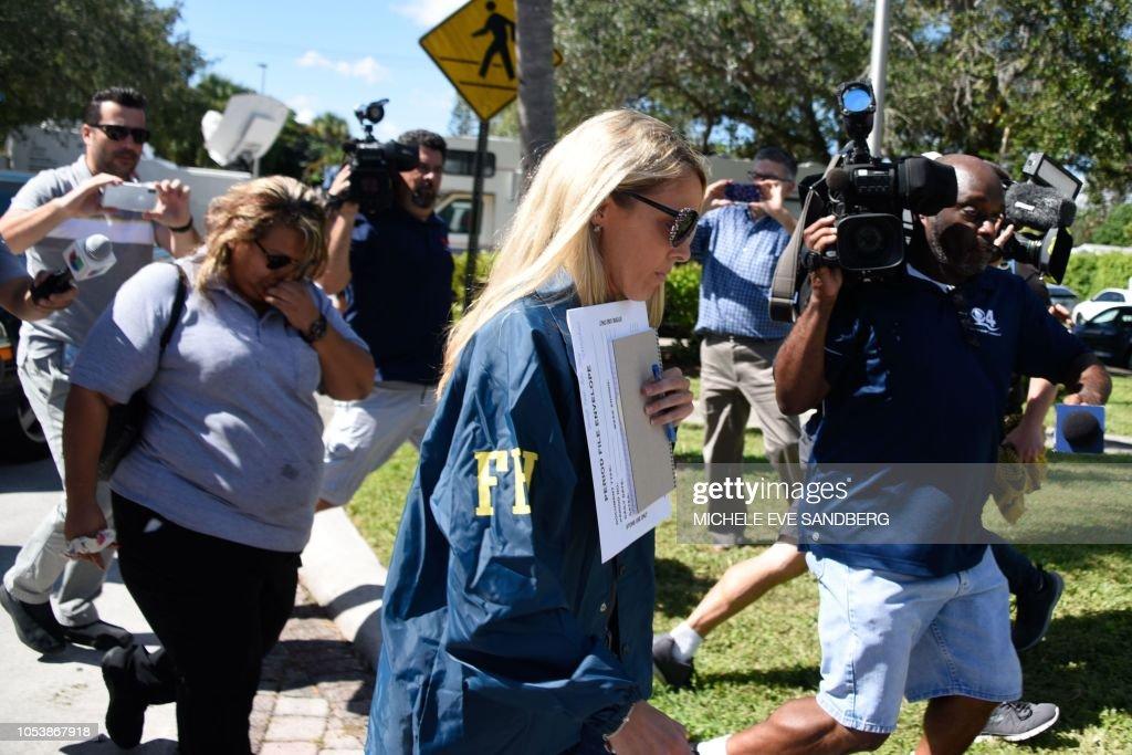 US-POLITICS-MEDIA-POLICE-FBI : News Photo