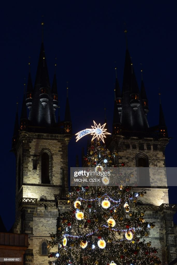 An illuminated Christmas tree is seen at the Old Town Square in Prague, Czech Republic on December 03, 2017. PHOTO / Michal CIZEK