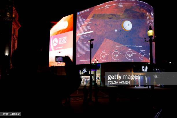 An image showing the simulation of the landing of NASA's Perseverance rover on the planet Mars, where it will look for signs of past microbial life,...