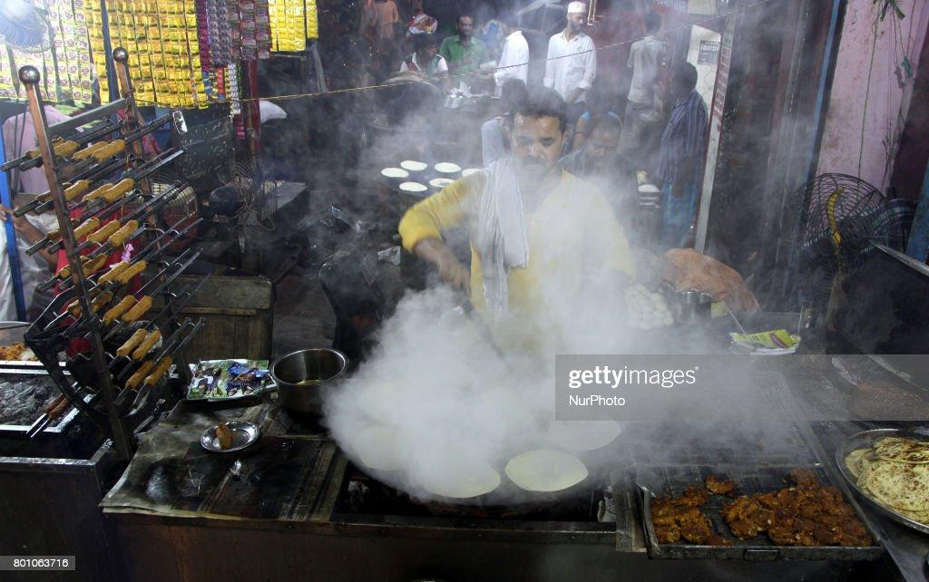 Simple India Eid Al-Fitr Food - an-indian-chef-prepares-a-traditional-food-on-the-eve-of-eid-alfitr-picture-id801063716?k\u003d6\u0026m\u003d801063716\u0026s\u003d612x612\u0026w\u003d0\u0026h\u003dGBEeTULHfbECXt-Pn6D7f5eAAxPdtqXI91Y6g1Y_h8c\u003d  Picture_375100 .com/photos/an-indian-chef-prepares-a-traditional-food-on-the-eve-of-eid-alfitr-picture-id801063716?k\u003d6\u0026m\u003d801063716\u0026s\u003d612x612\u0026w\u003d0\u0026h\u003dGBEeTULHfbECXt-Pn6D7f5eAAxPdtqXI91Y6g1Y_h8c\u003d
