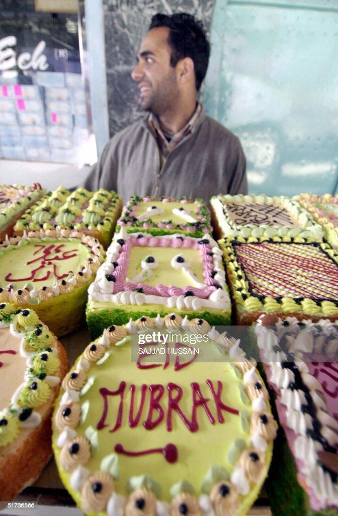 Wonderful Display Eid Al-Fitr Decorations - an-indian-kashmiri-vendor-sits-behind-his-display-of-pastries-with-picture-id51736566?k\u003d6\u0026m\u003d51736566\u0026s\u003d612x612\u0026w\u003d0\u0026h\u003dXVezr-x9Z3CmOl9eMiVt5-KxOziS9qbpEleq2kfygPY\u003d  Best Photo Reference_577060 .com/photos/an-indian-kashmiri-vendor-sits-behind-his-display-of-pastries-with-picture-id51736566?k\u003d6\u0026m\u003d51736566\u0026s\u003d612x612\u0026w\u003d0\u0026h\u003dXVezr-x9Z3CmOl9eMiVt5-KxOziS9qbpEleq2kfygPY\u003d