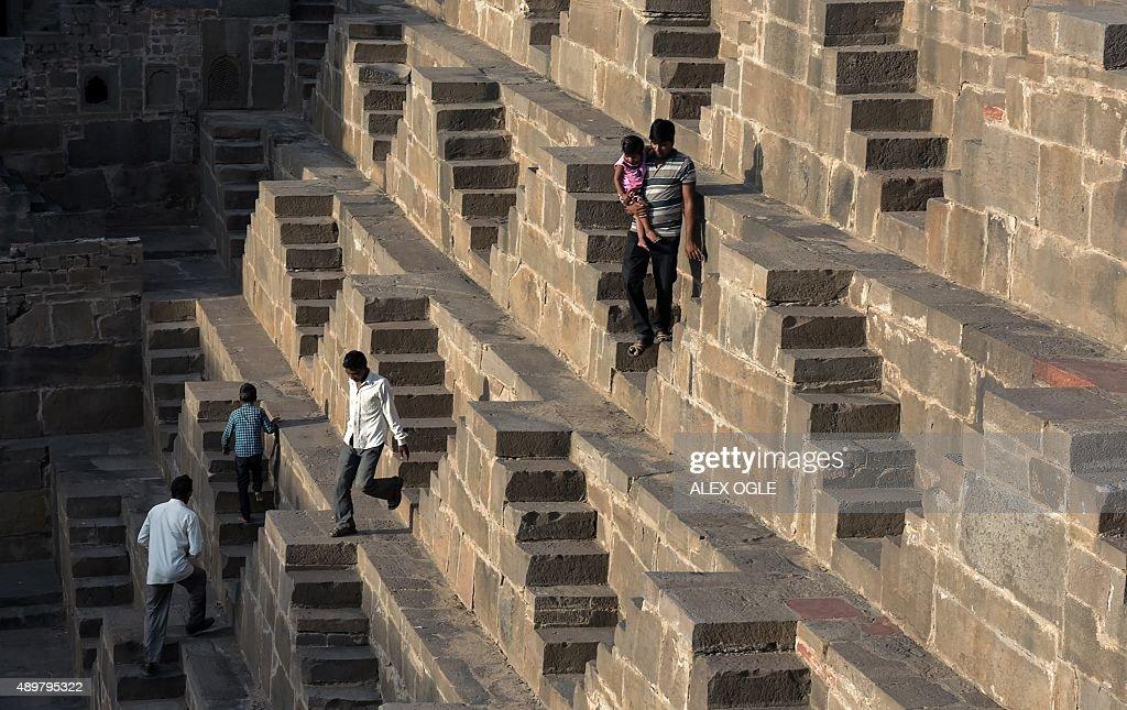 INDIA-RELIGION-HINDU-STEPWELL : Foto jornalística