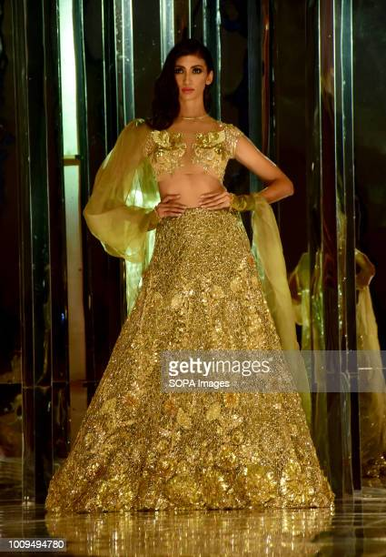2 038 Manish Malhotra Fashion Designer Photos And Premium High Res Pictures Getty Images