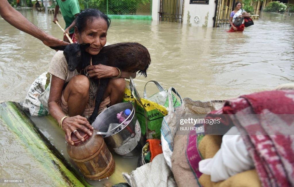INDIA-FLOODS-MONSOON : News Photo