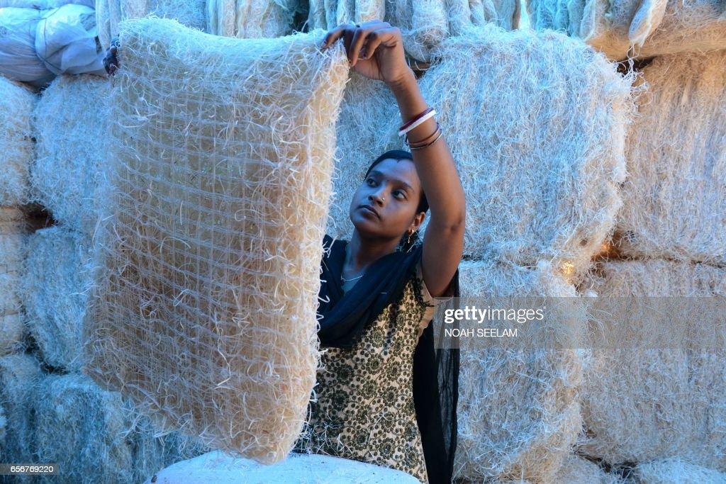 TOPSHOT-INDIA-ECONOMY-WEATHER-COOLERS : Foto di attualità