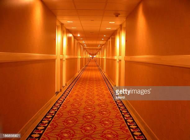無限の廊下