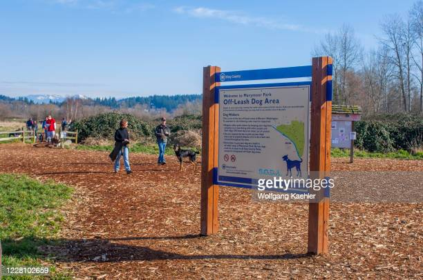 An information sign at the 40-acre off-leash dog park in Marymoor Park, Redmond, Washington State, USA.